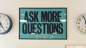 FAQ - foto ASK MORE QUESTIONS, cedule