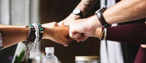 Partneři foto - gesto rukou, partnerství
